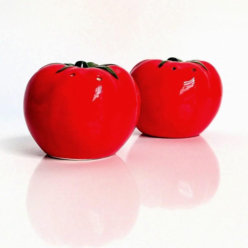 Gisela Graham Tomato Salt and Pepper Set