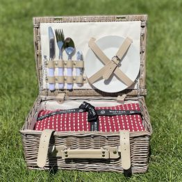 PICNIC WICKER & RED THROW